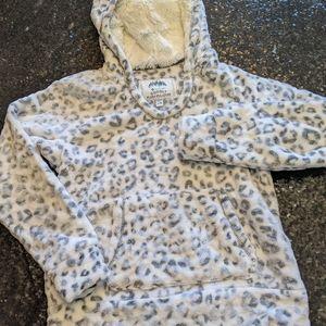 Girls leopard plush pullover
